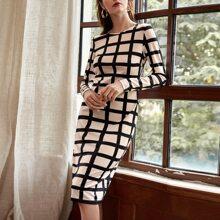Kleid mit rundem Kragen und Karo Muster