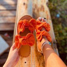 Sandalias con lazo doble