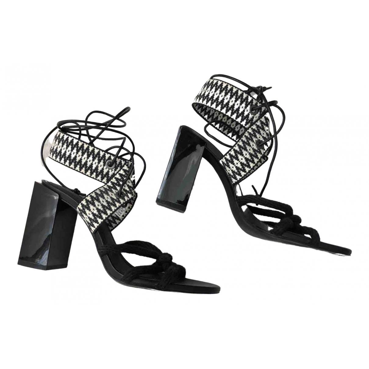 Zara \N Sandalen in  Schwarz Tweed