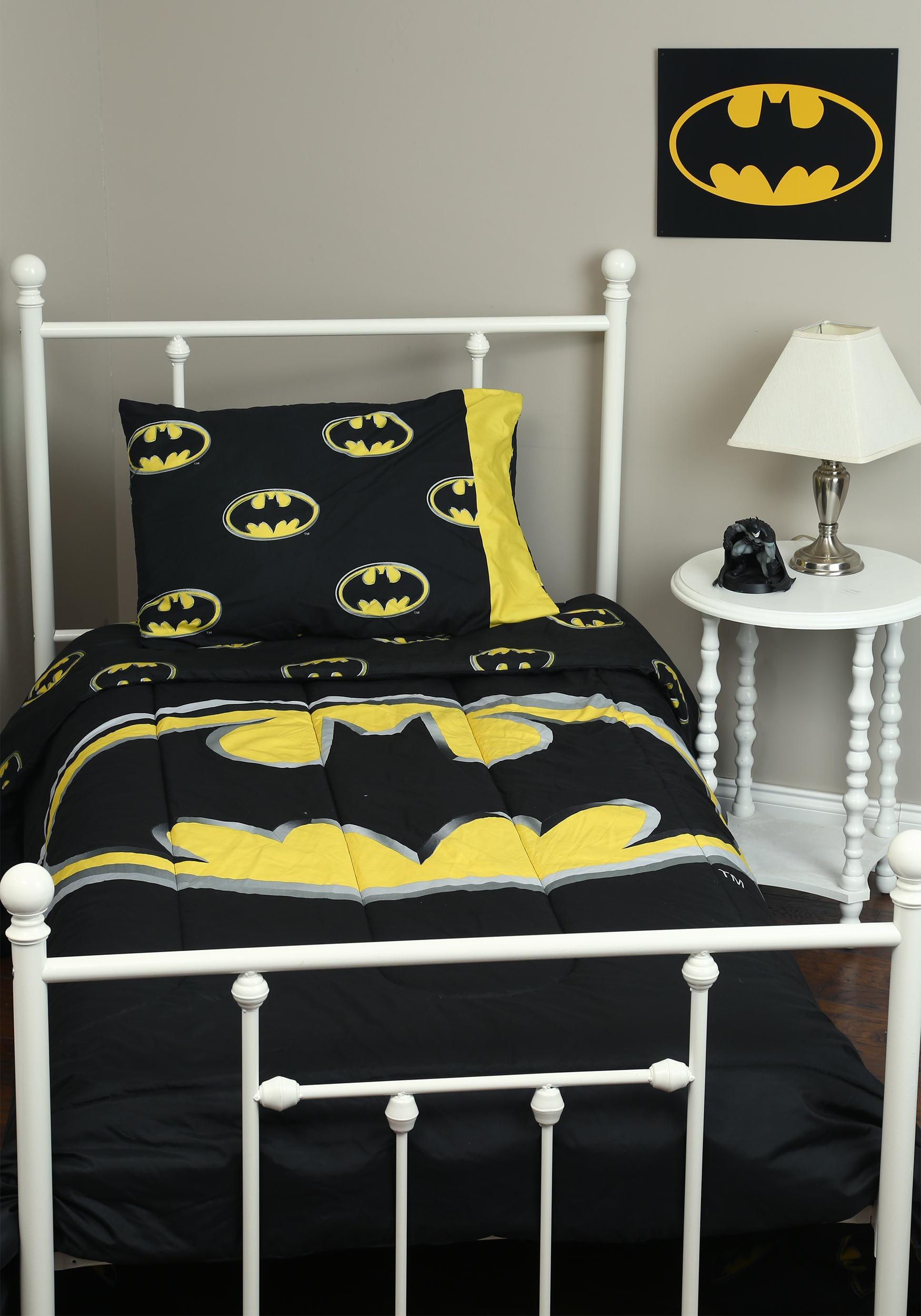 Logo Queen 3pc Comforter Set Batman