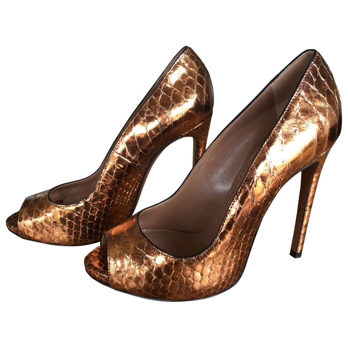 Alaia \N Pumps in  Gold Python
