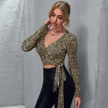 Crop Top mit Wickel Design, Knoten und Leopard Muster