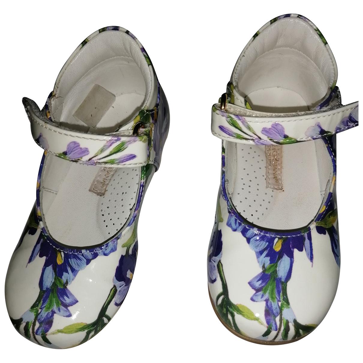 Dolce & Gabbana \N Ballerinas in  Ecru Lackleder