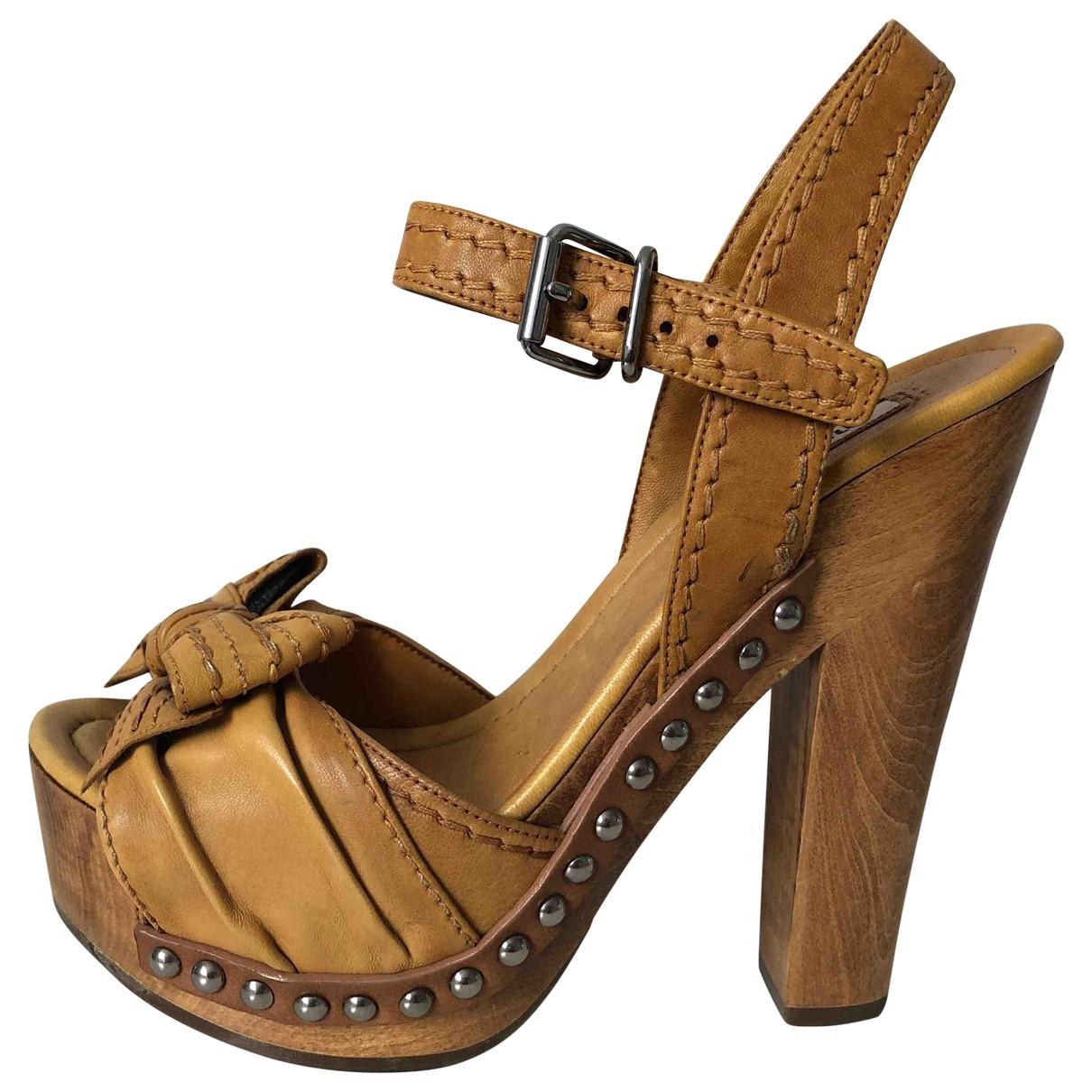 Miu Miu - Escarpins   pour femme en cuir - camel