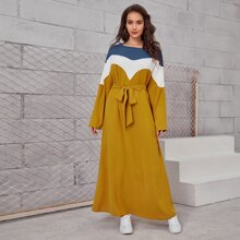 Maxi Kleid mit Farbblock und Selbstguertel