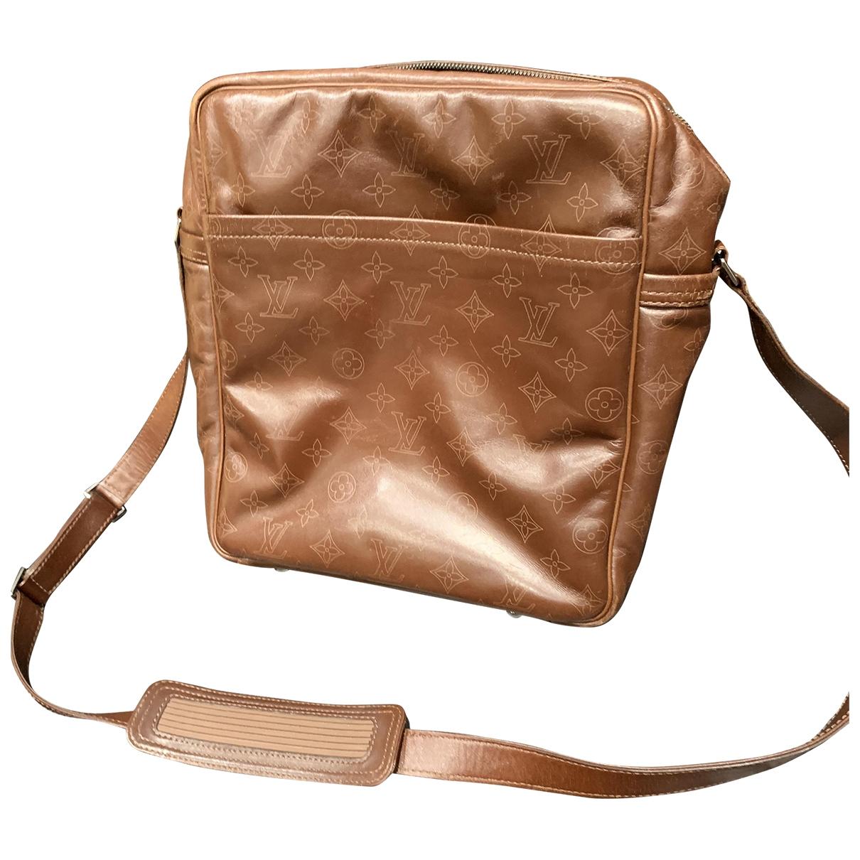 Louis Vuitton \N Brown Leather bag for Men \N