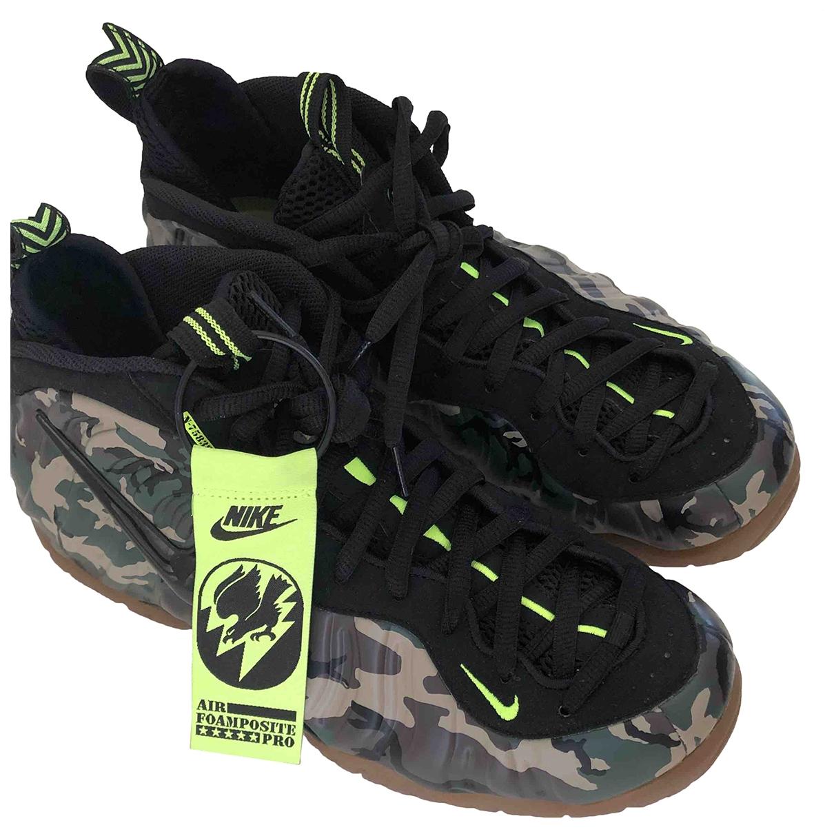 Nike - Baskets Air Foamposite pour homme en toile - kaki