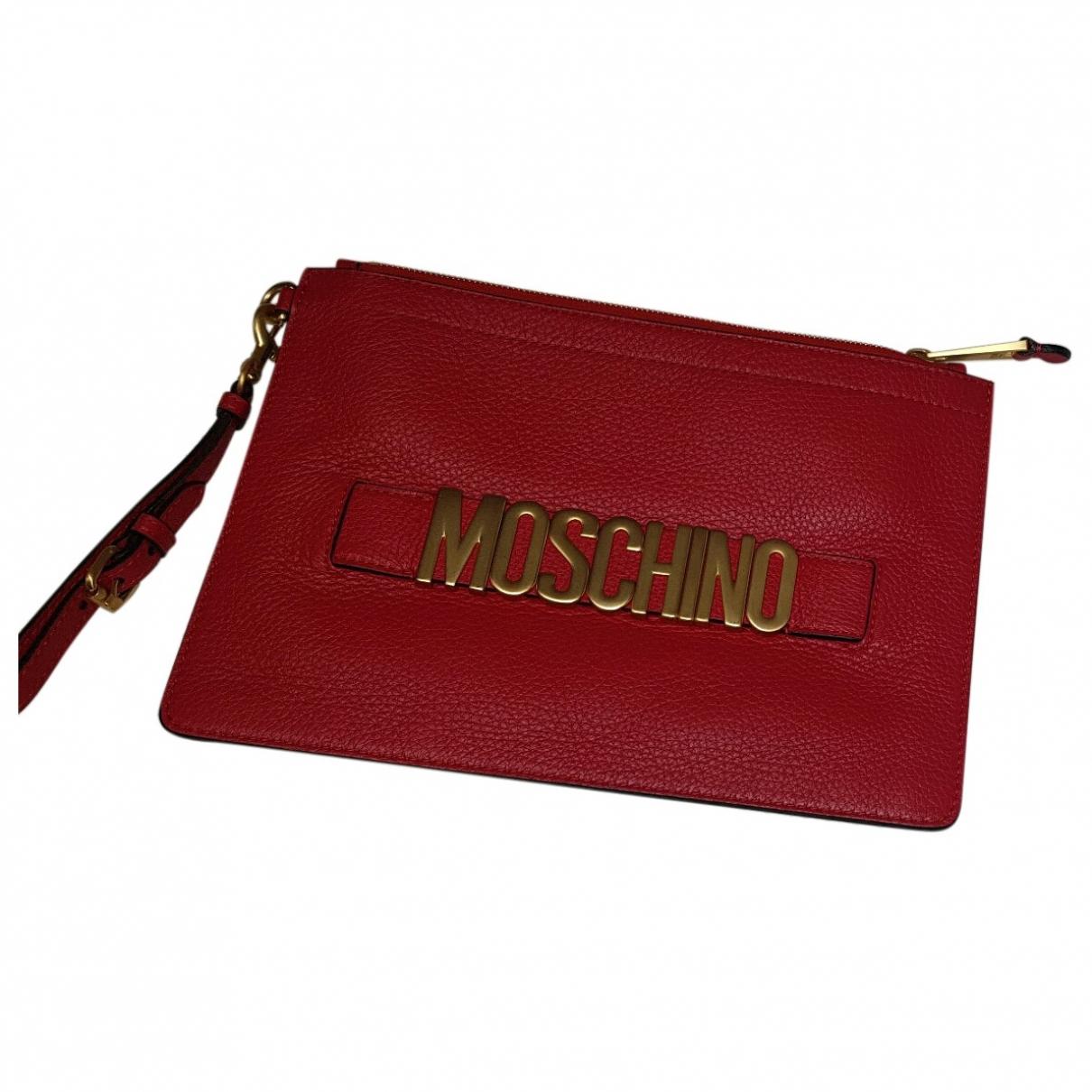 Moschino \N Clutch in  Rot Leder