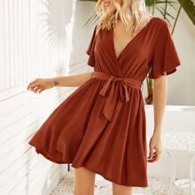 A-Linie Kleid mit V-Ausschnitt und Selbstband