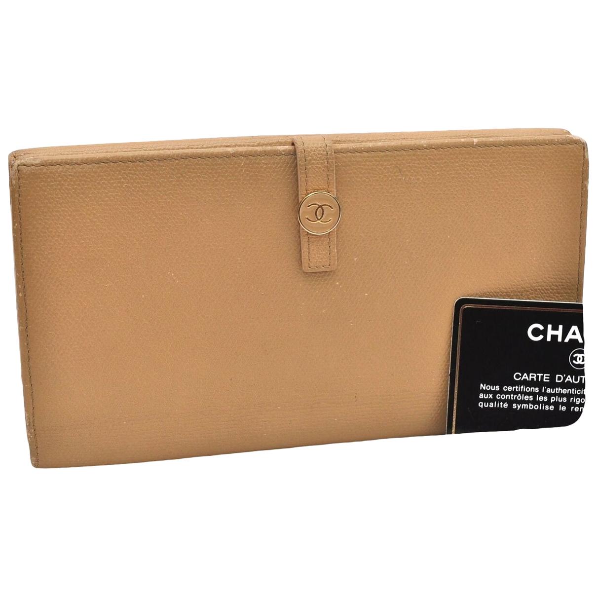Chanel \N Portemonnaie in  Beige Leder