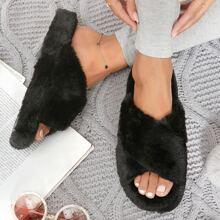 Sandalen mit Kunstpelz und Kreuzgurt