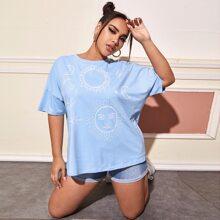 T-Shirt mit Galaxie Muster und sehr tief angesetzter Schulterpartie