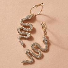 Pendientes largos con diseño de serpiente grabado con diamante de imitacion 1 par