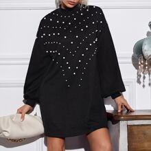Kleid mit Stehkragen, Perlen und Laternenaermeln