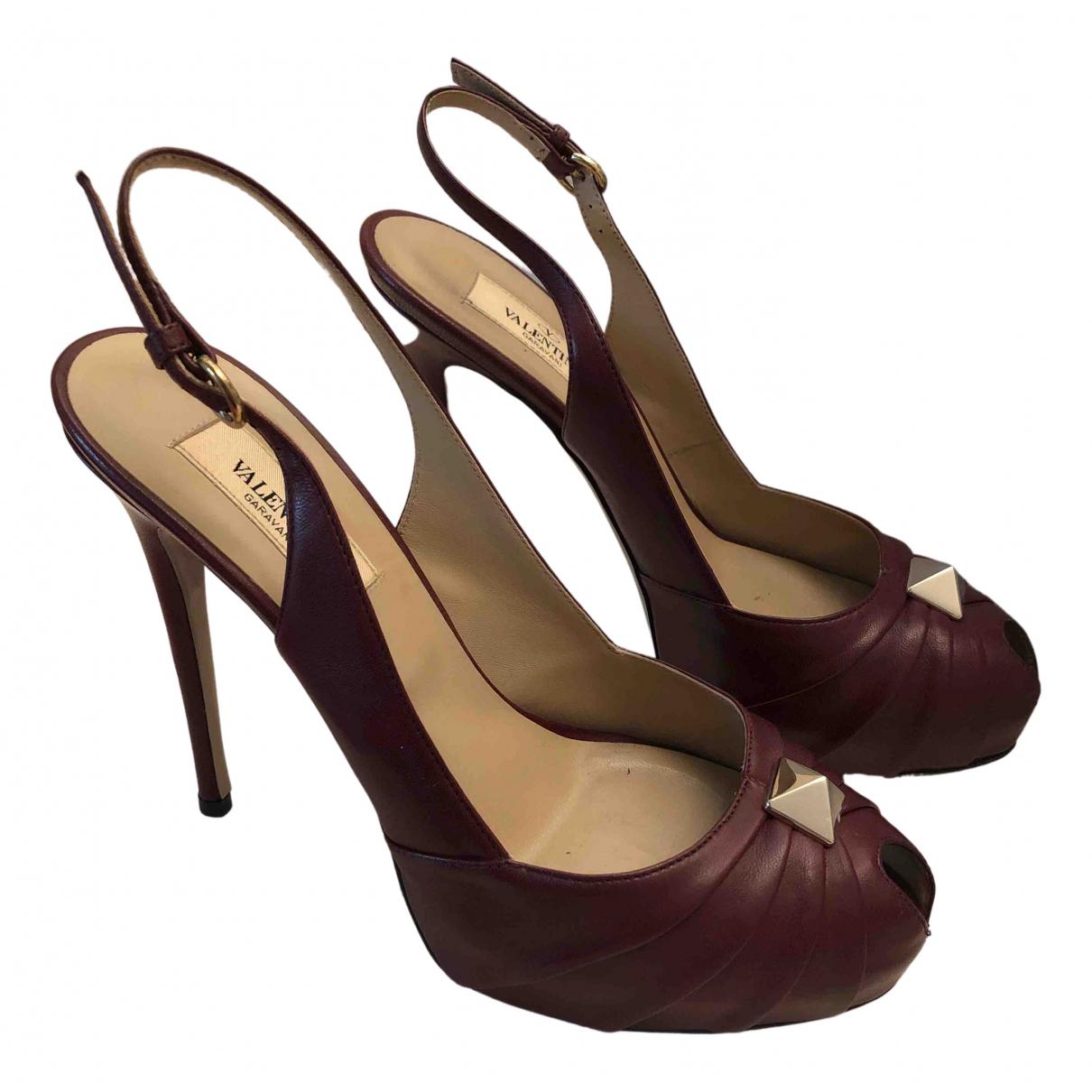 Valentino Garavani - Escarpins   pour femme en cuir - bordeaux