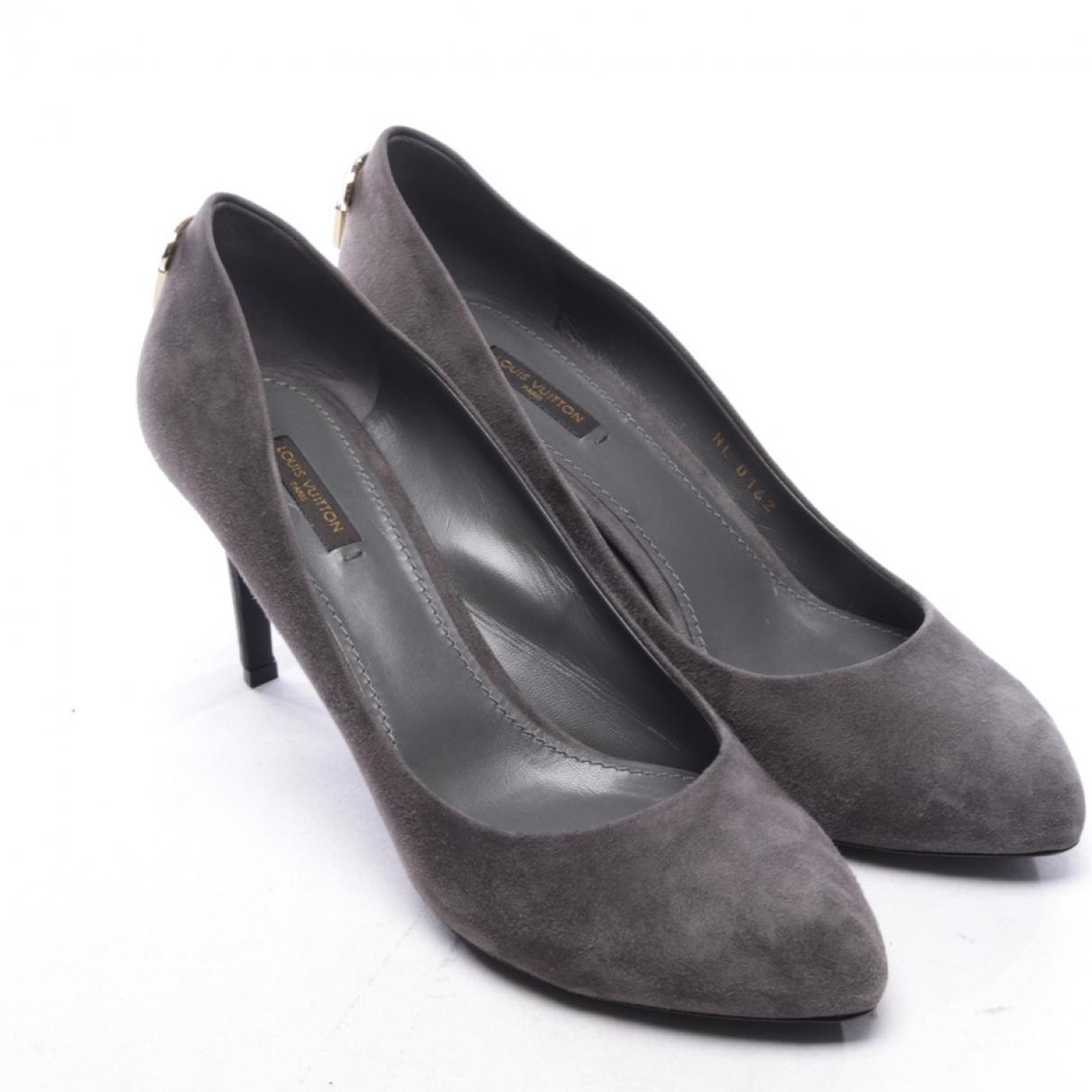 Louis Vuitton - Escarpins   pour femme en suede - gris