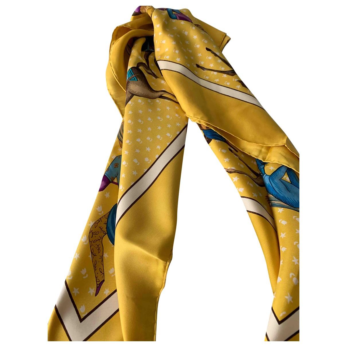 Hermès \N Gold Silk scarf for Women \N