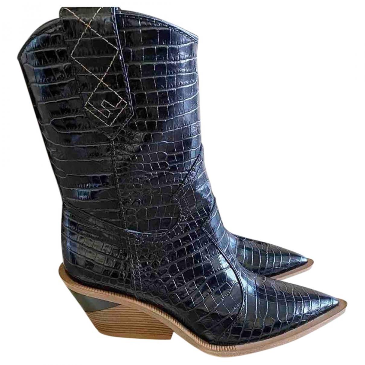 Fendi Cowboy Black Crocodile Ankle boots for Women 36 EU