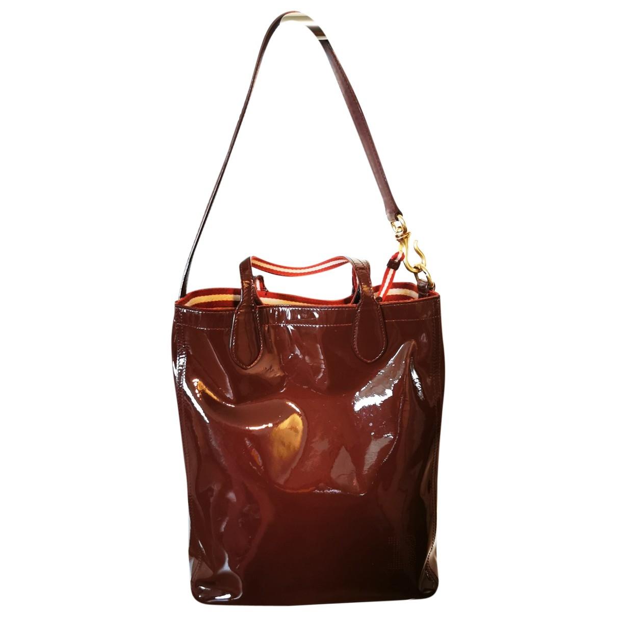 Bally \N Handtasche in  Bordeauxrot Lackleder