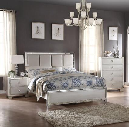 Voeville II Collection 24830Q3SET 3 PC Bedroom Set with Queen Size Bed  Chest and Nightstand in Platinum