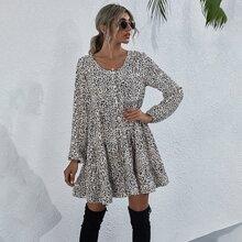 Kleid mit Knopfen vorn, Laternenaermeln, Rueschenbesatz und Leopard Muster