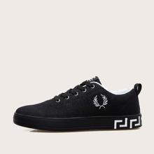 Maenner Sneakers mit Band vorn und Buchstaben Grafik
