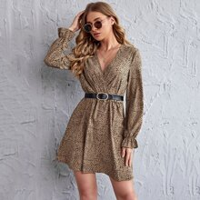 Kleid mit Glockenaermeln, V Kragen und Dalmatiner Muster ohne Guertel