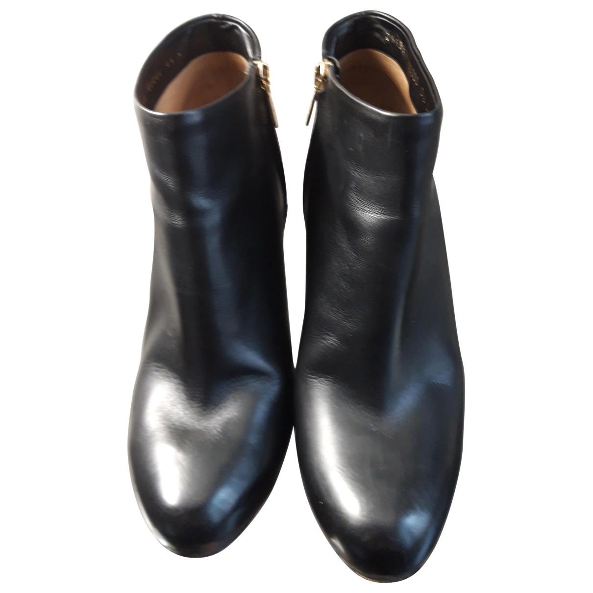 Salvatore Ferragamo \N Black Fur Ankle boots for Women 38 EU