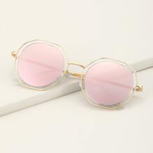 Sonnenbrille mit geometrischem metallischem Rahmen
