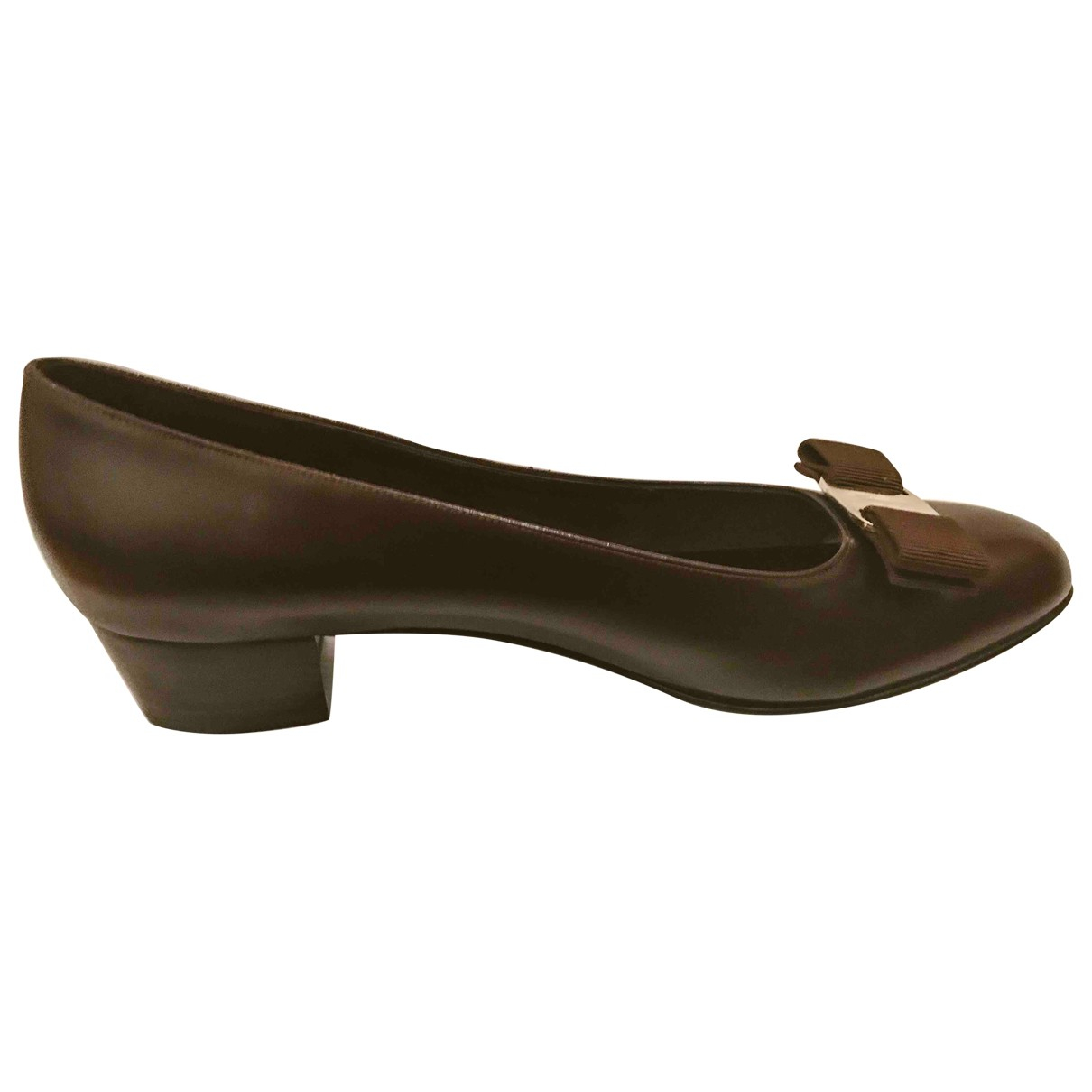 Salvatore Ferragamo \N Pumps in  Braun Leder