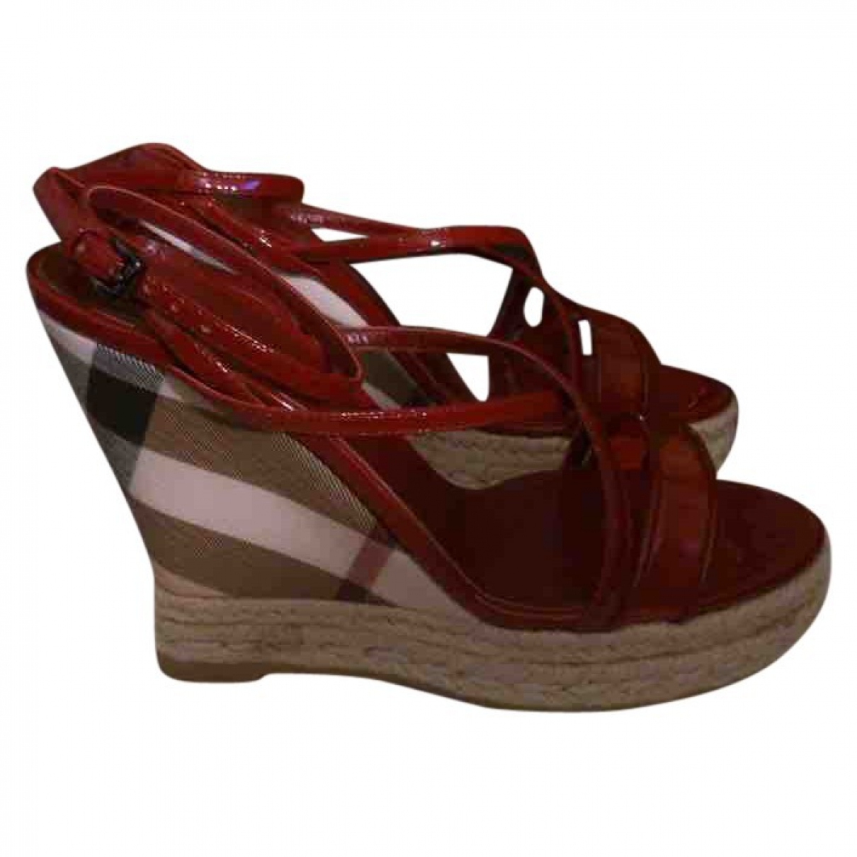 Burberry \N Red Patent leather Sandals for Women 36 EU