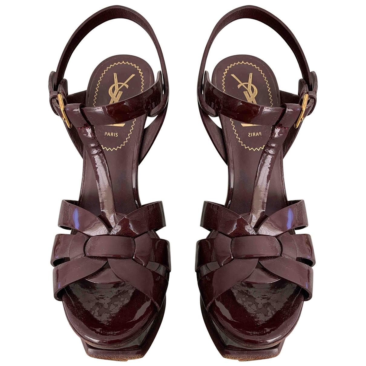 Yves Saint Laurent - Sandales Tribute pour femme en cuir verni - bordeaux