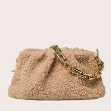 Tasche mit kuenstlichem Lammfell und Ruesche