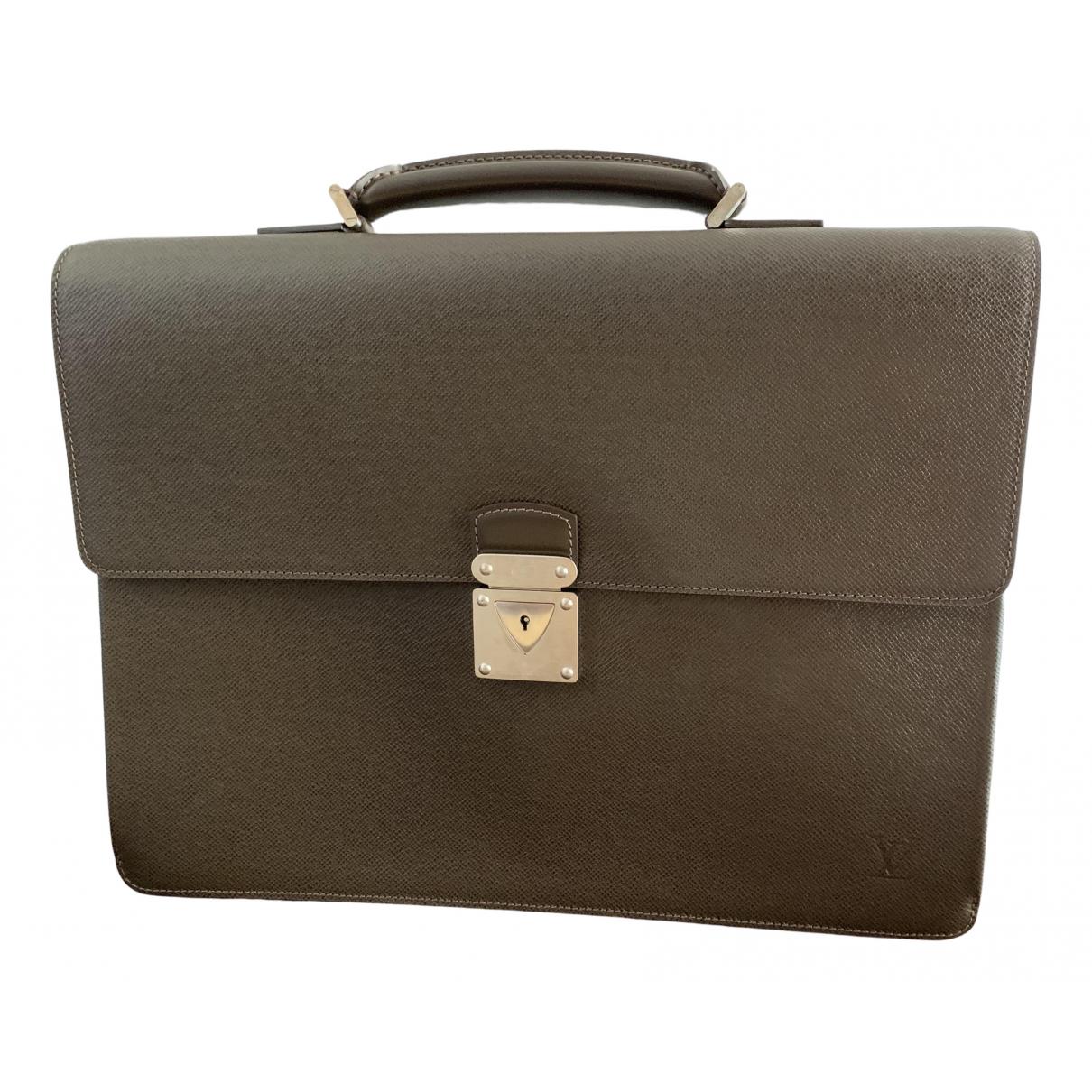 Louis Vuitton - Sac Robusto pour homme en cuir - marron