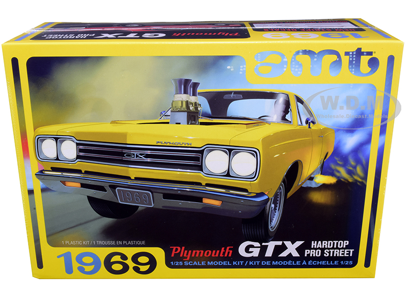 Skill 2 Model Kit 1969 Plymouth GTX Hardtop Pro Street 1/25 Scale Model by AMT