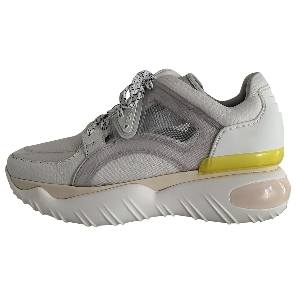 Fendi \N Sneakers in  Weiss Leder