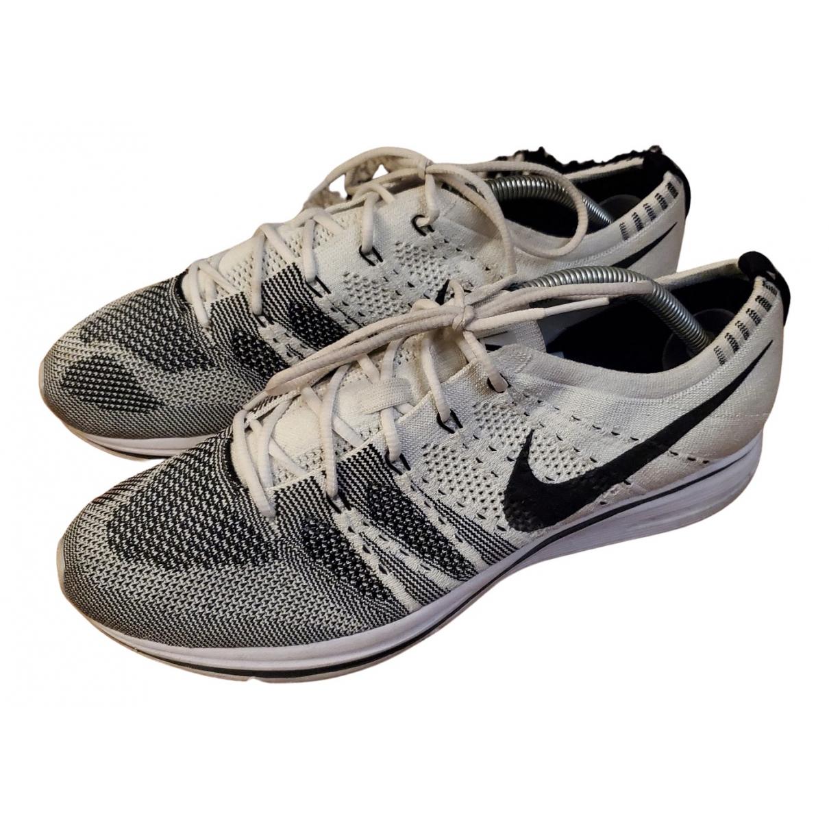 Nike \N Sneakers in  Weiss Leinen