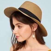 Sombrero de paja con diseño de banda