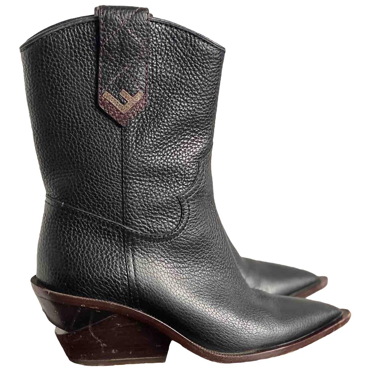 Fendi Cowboy Stiefeletten in  Schwarz Leder