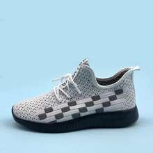 Zapatillas deportivas anchas con cordon delantero