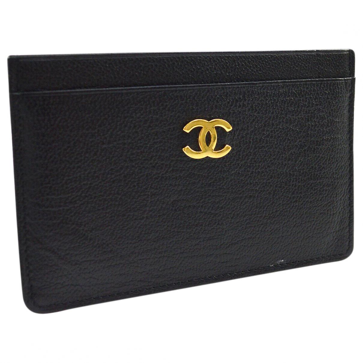 Tarjetero de Cuero Chanel