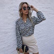Bluse mit eingekerbtem Kragen, Leopard Muster und Bishofaermeln