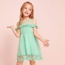 Vestido linea A de niñitas con malla fruncido con encaje en contraste
