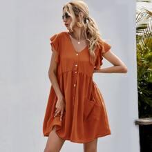 Kleid mit doppelten Taschen, Ruesche und Manschetten