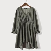 Kleid mit Band vorn, Dalmatiner Muster und Stufensaum