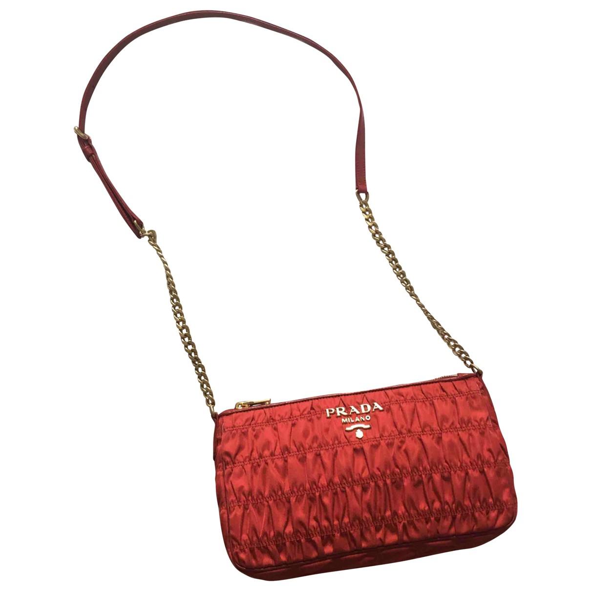 Prada Tessuto  Handtasche in  Rot Leinen