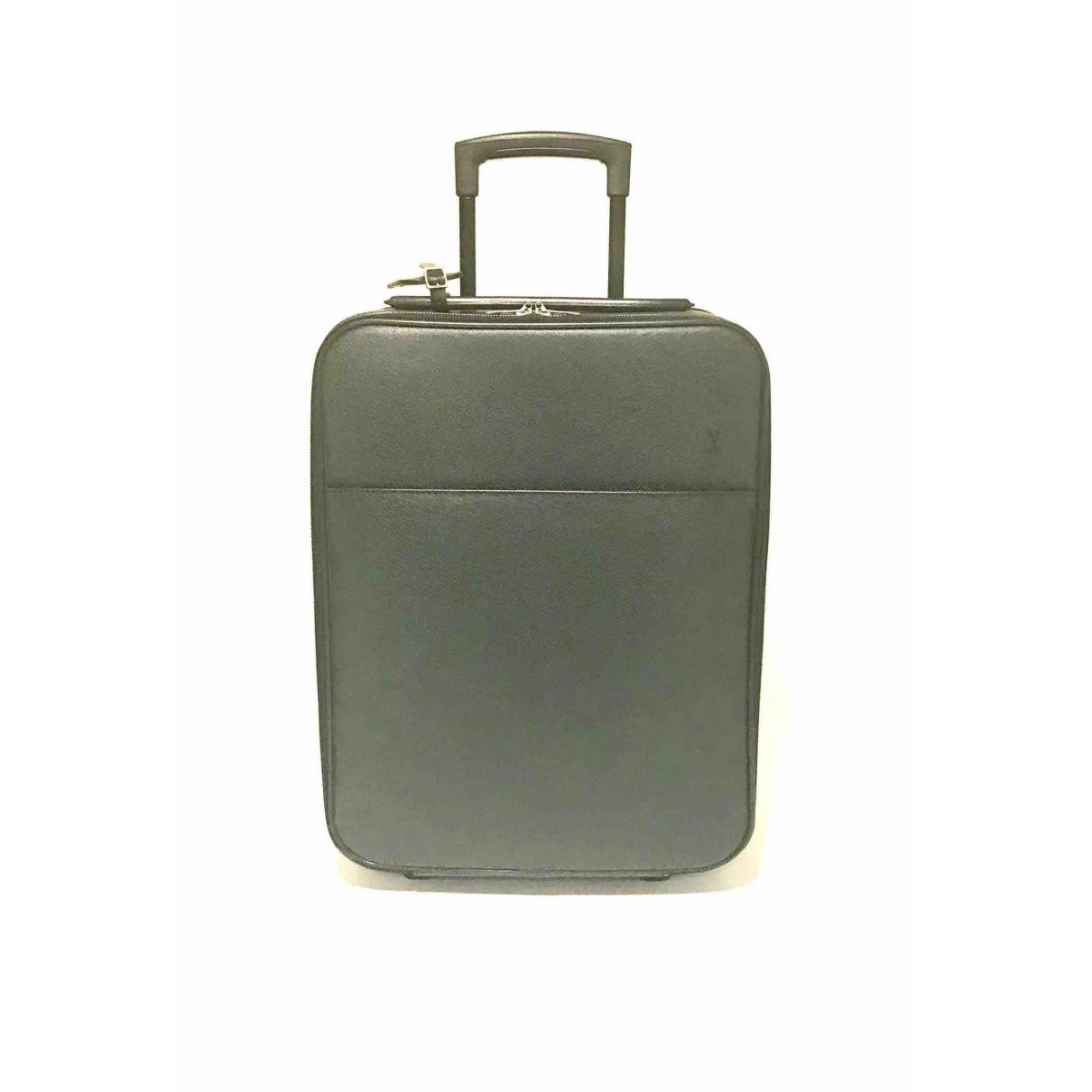 Louis Vuitton Pegase Reisetasche in  Schwarz Leder