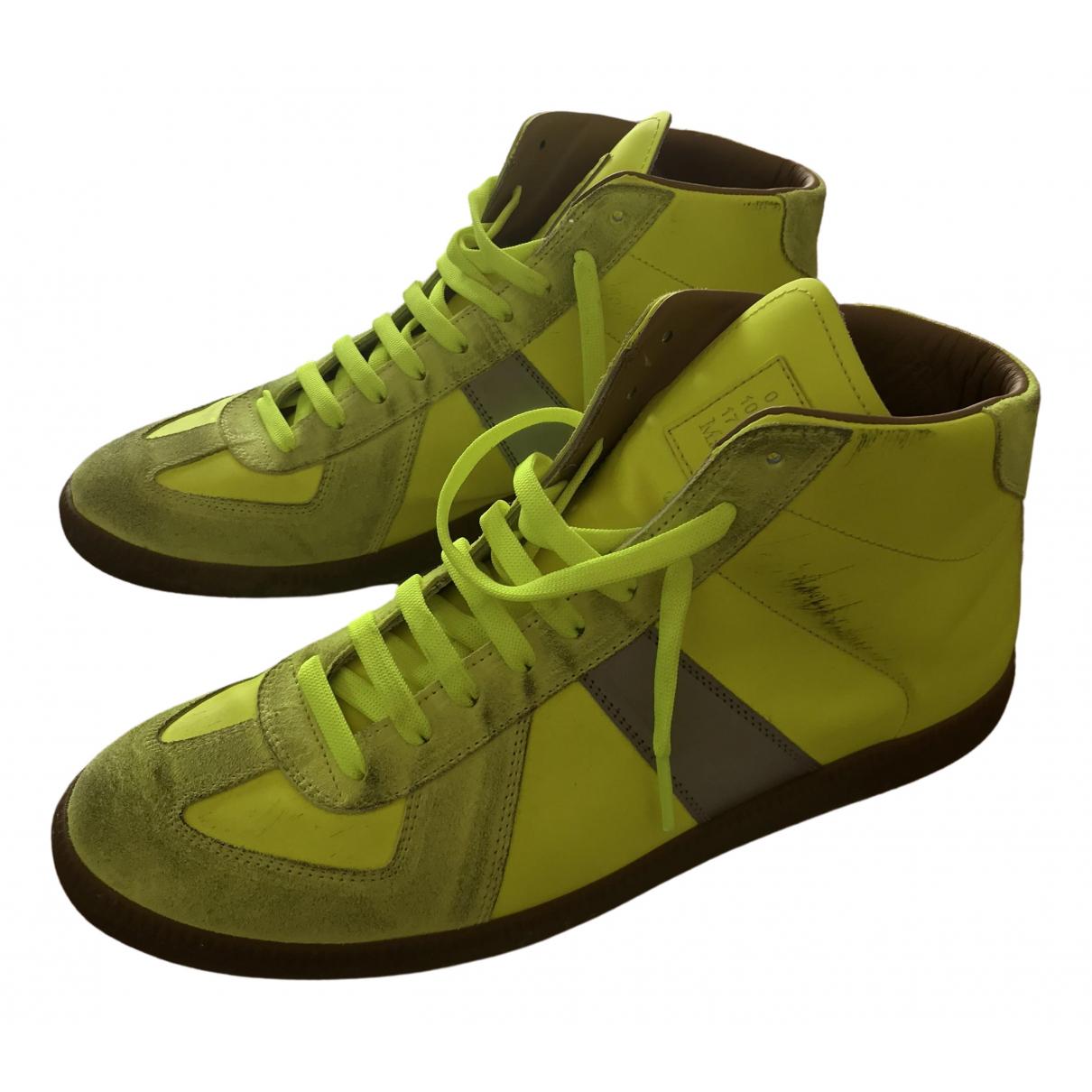 Maison Martin Margiela Replica Sneakers in  Gelb Lackleder
