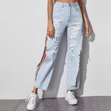 Jeans mit Waesche und Riss Detail