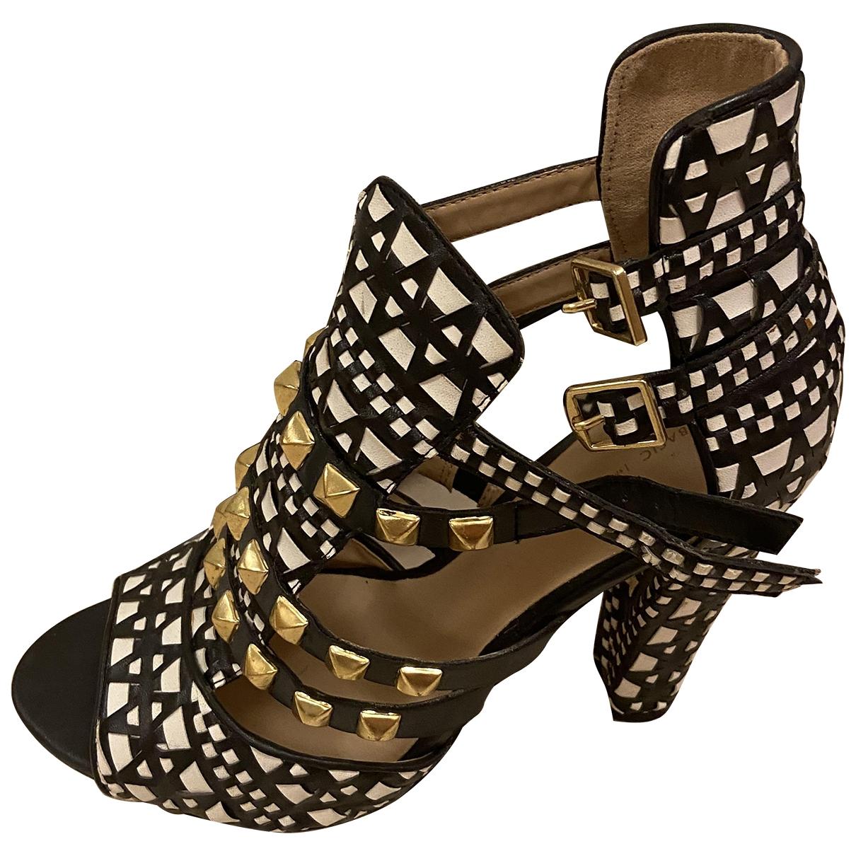 Sandalias romanas de Cuero Zara